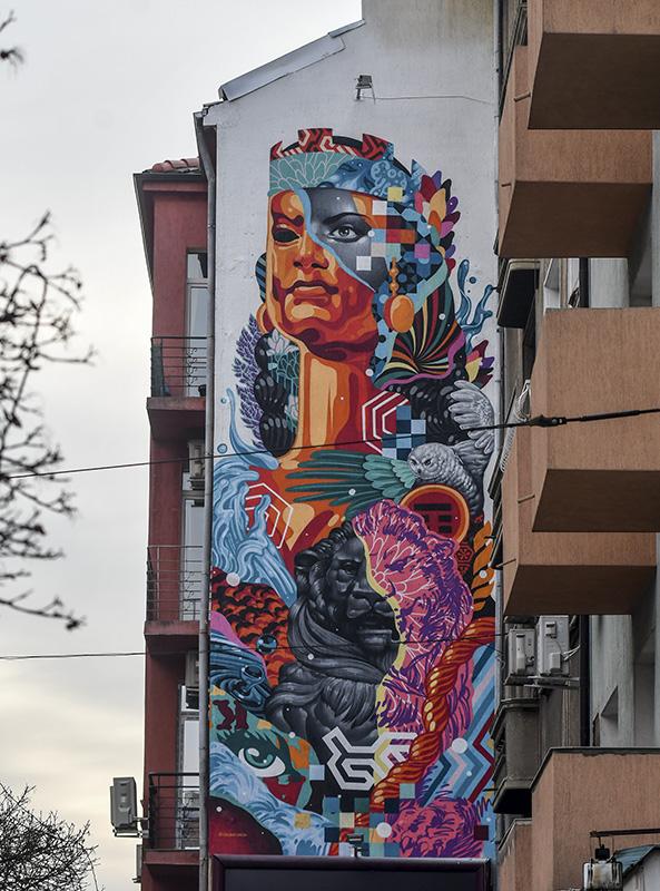 grafitti by tristan eaton in Sofia
