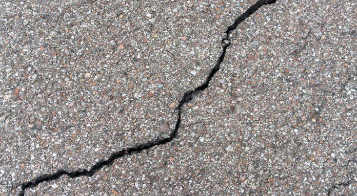 Asphalt-Crack