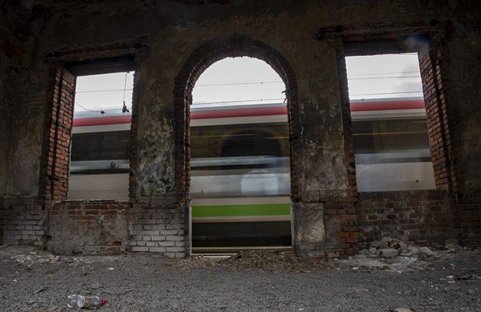 vlak-gara