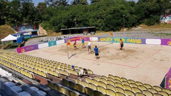 stadion-yunak