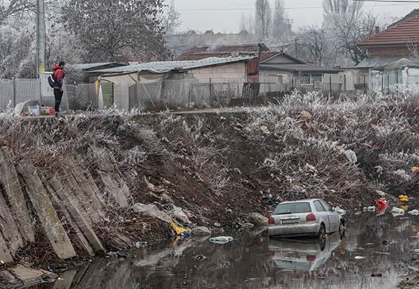 кола-във-владайската-река