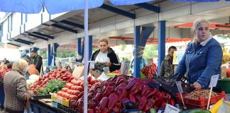targovci-na-zenskia-pazar