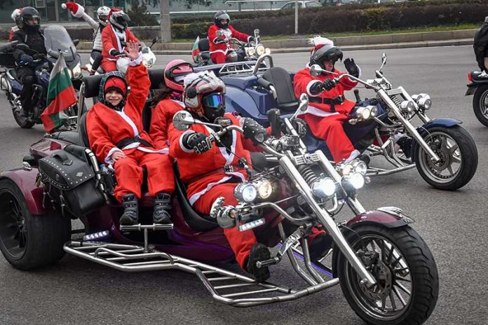 Мотористи-дядо-коледа-шествие