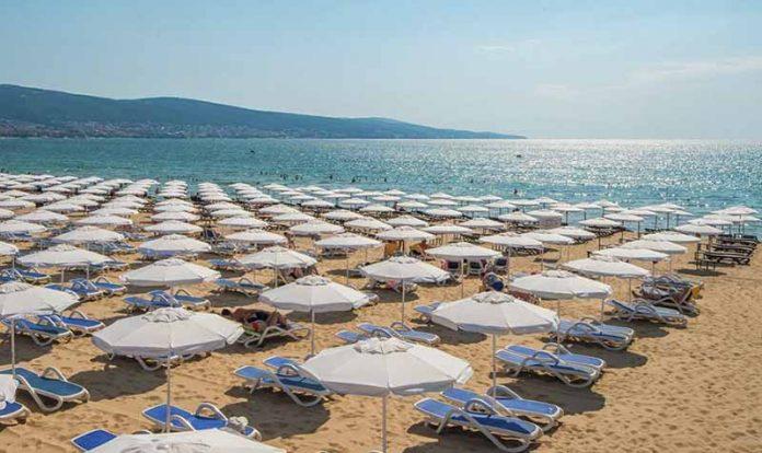 beach-umbrellas-sunny-beach-bulgaria