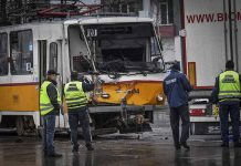 katastrofa-mezdu-kamion-i-tramvai-v-slatina